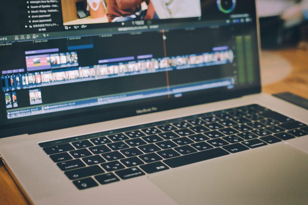 動画編集をするときの手順やコツ